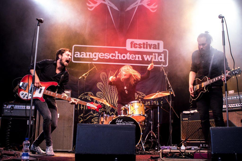 Bellen blazen, gamen of bandjes kijken op Festival Aangeschoten Wild? Wij kiezen voor muziek!