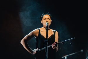 Melanie De Biasio / TJ