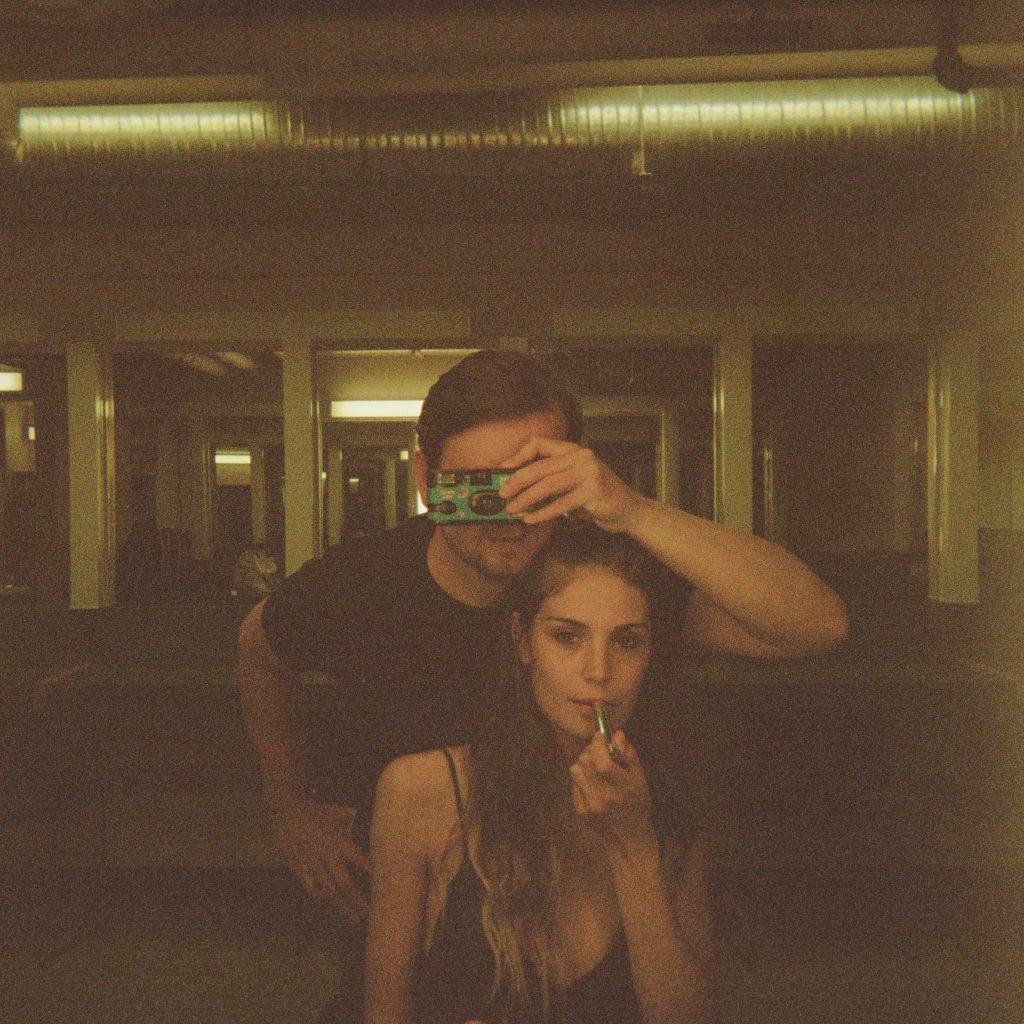 Videopremière: Ocie Elliot – Fame
